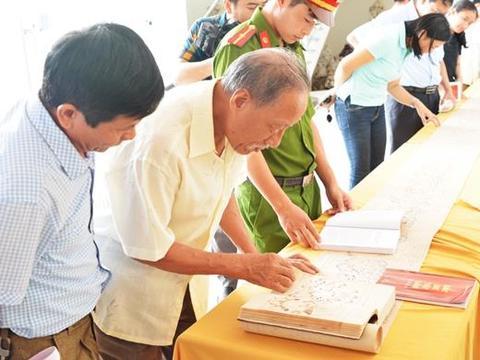 Việt Nam's maps granted UNESCO certificate