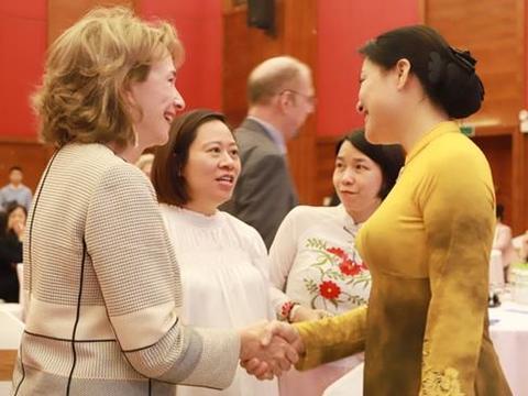 Women play vital role in strengthening VN-US ties