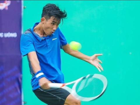 Phương reaches quarter-finals of World Super Junior Tennis Championships