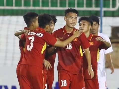 Việt Nam U19 team beat Meizhou Meixian Techand