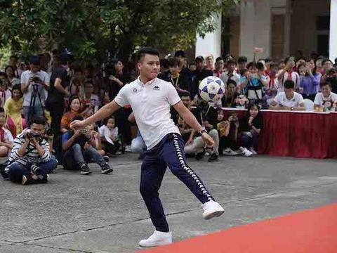 Hà Nội FC aiming to give coronavirus a kicking