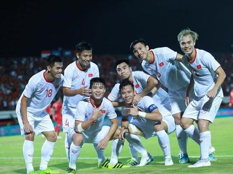 Việt Nam blow Indonesia away in World Cup qualifier