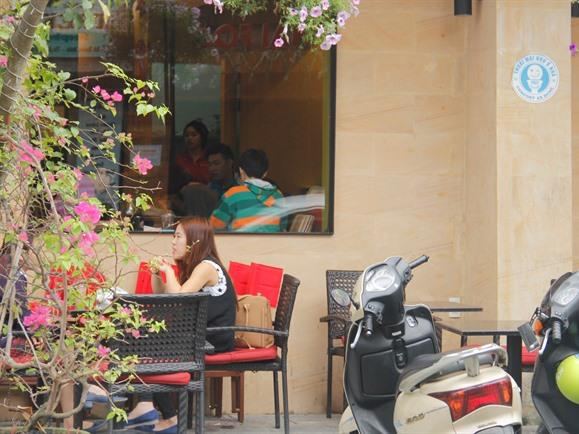 Da Nang cafes, restaurants offer free restrooms for tourists