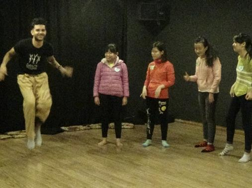 US dancers heal disabled VN children