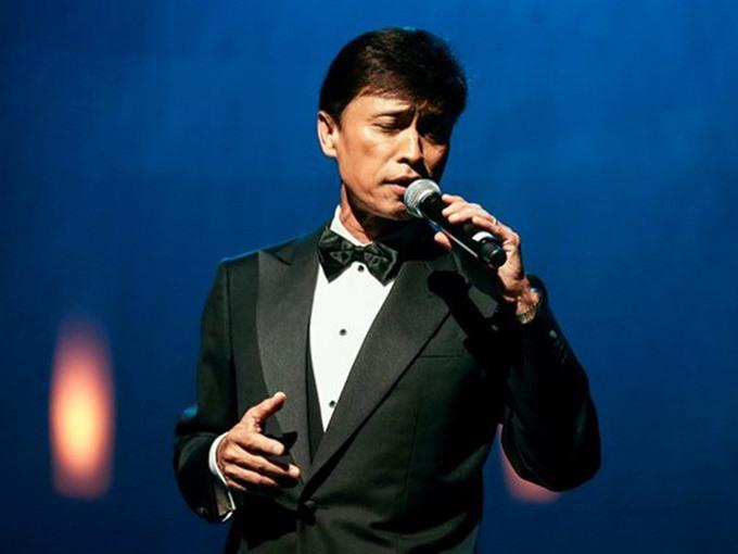Leading singers perform music by Văn Cao and Phạm Duy