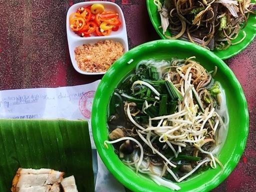 Bún nước lèo, a specialty of Trà Vinh's Khmer ethic group